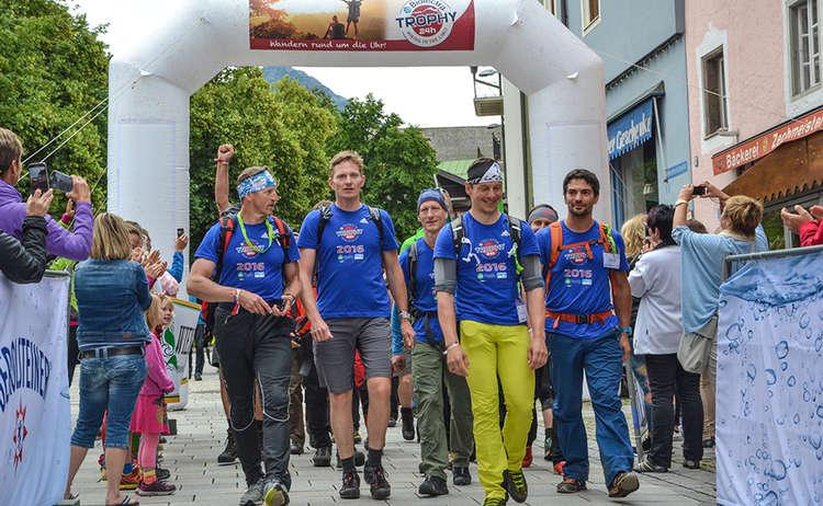 24 Stunden Watzmann extrem Wanderer im Ziel