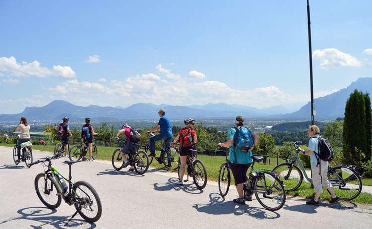 Ausblick Vom Hoegl Nach Salzburg