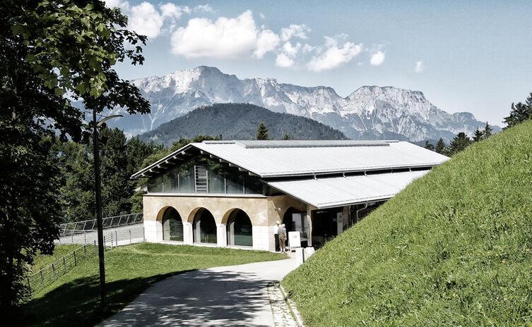 Dokumentation Obersalzberg Berchtesgaden Untersberg Manipulated