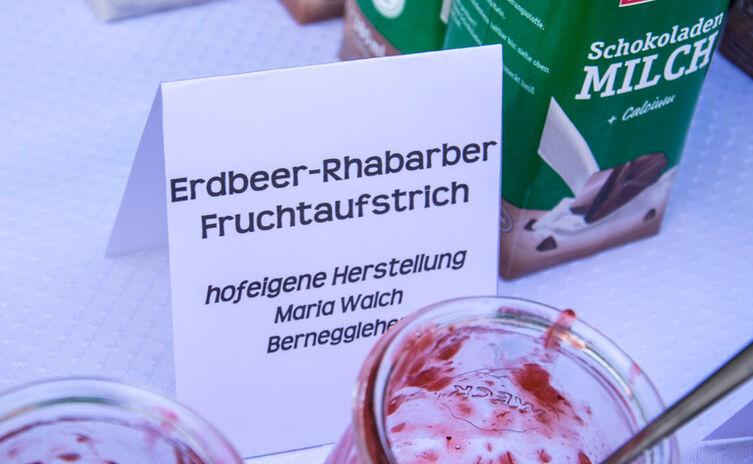 Erdbeer-Rhabarber Fruchtaufstrich| Bäuerlicher Buffetservice