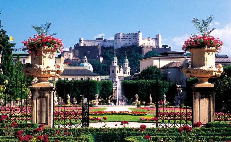 Mirabellgarten mit Festung Salzburg