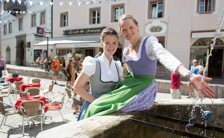 Fussgaengerzone Berchtesgaden Marktfest