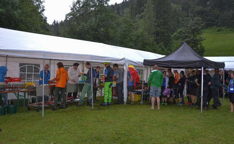 Große Pause an der Labe-Station im Bergkurgarten Ramsau