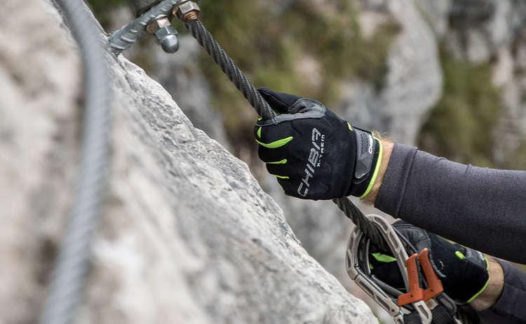 Mit Chiba Handschuhen unterwegs im Grünstein Klettersteig