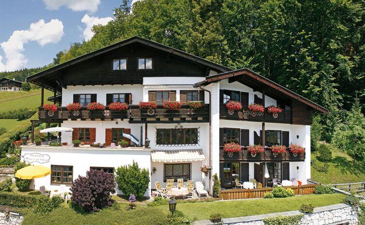 Haus Am Berg Ferienwohnungen Und Appartements 11