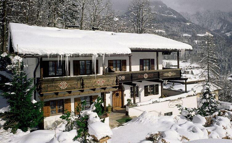 Haus Am Berg Ferienwohnungen Und Appartements 12