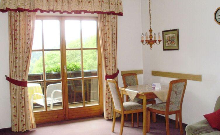 Haus Am Berg Ferienwohnungen Und Appartements 16