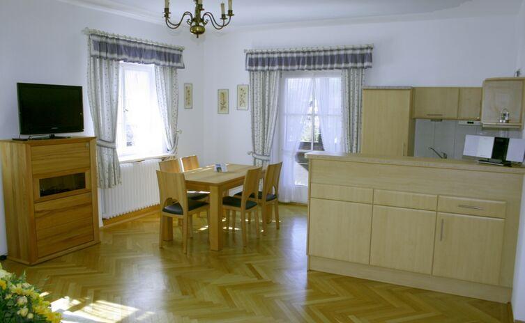 Haus Am Berg Ferienwohnungen Und Appartements 17