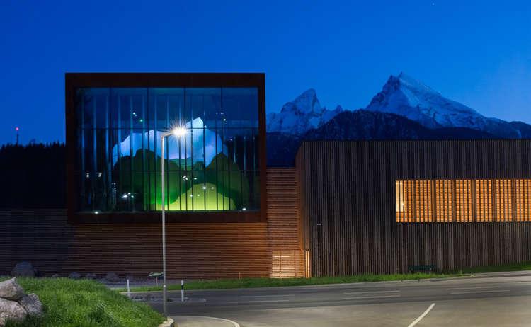 Haus Der Berge Nacht Josefine Unterhauser