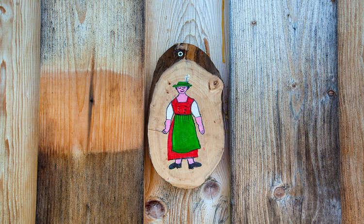 Holzschild Frauen