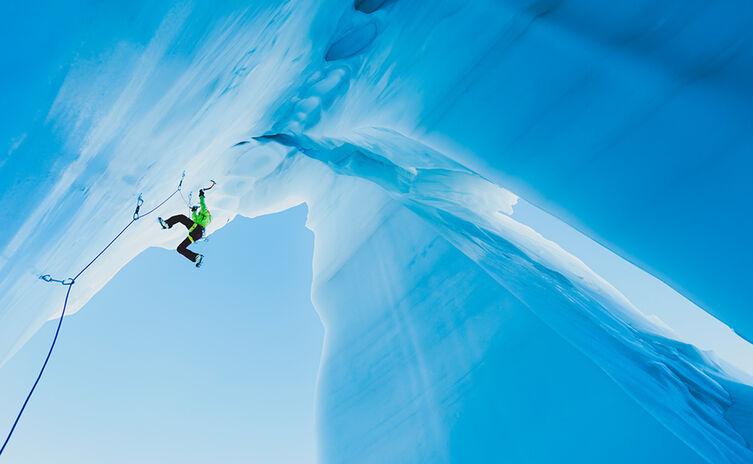 Ines Papert, eine der besten Eiskletterinnen der Welt