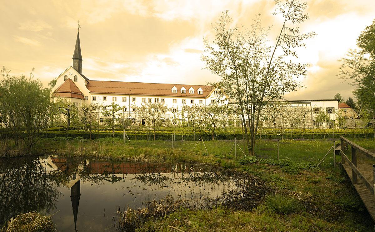 Kapuzinerhof 2