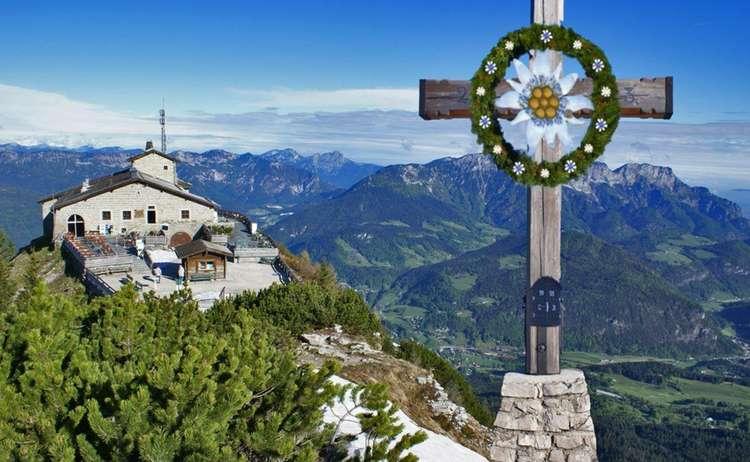 Kehlsteinhaus Mit Gipfelkreuz
