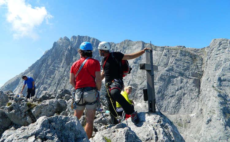 Kletterer An Der Schaertenspitzejpg