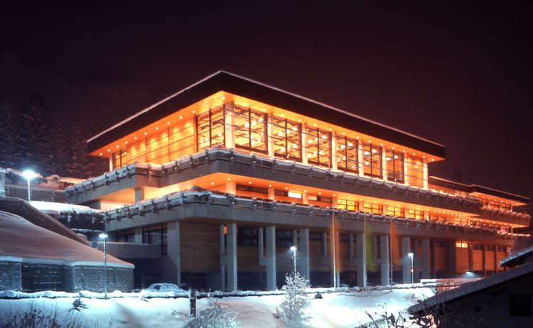 Kongresshaus Bgd Nachts