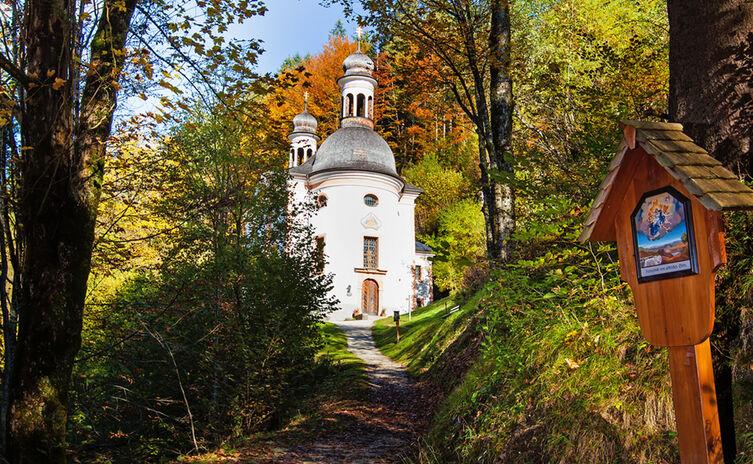 Kunterweg Kirche Bergsteigerdorf Ramsau 6