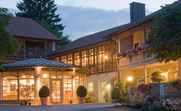 Landgasthof Mayrwirt | Saaldof-Surheim
