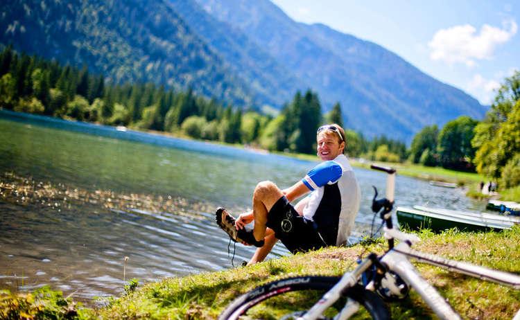 Mountain Biken Rast Alpen See Berchtesgadener Land