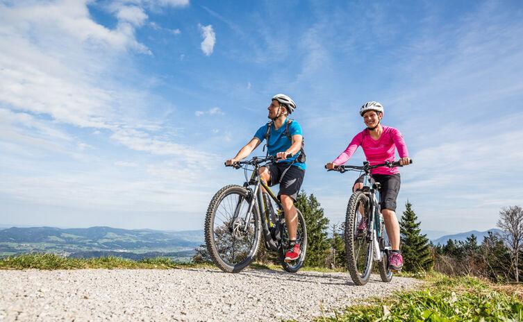Entspannt auf die Berge radlen mit dem Mountain-E-Bike