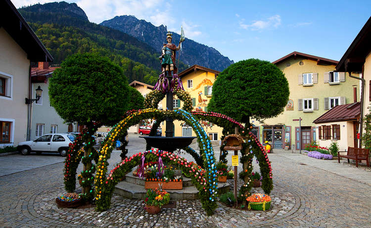 Osterbrunnen in Bad Reichenhall