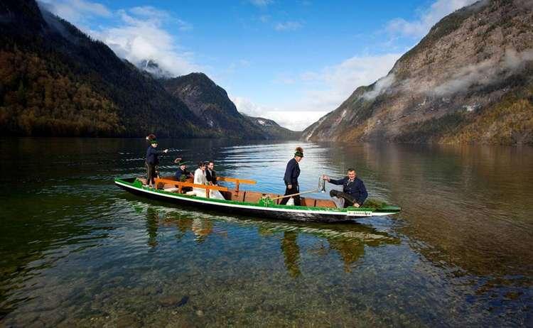 Paar Im Boot Auf Dem Koenigssee 1