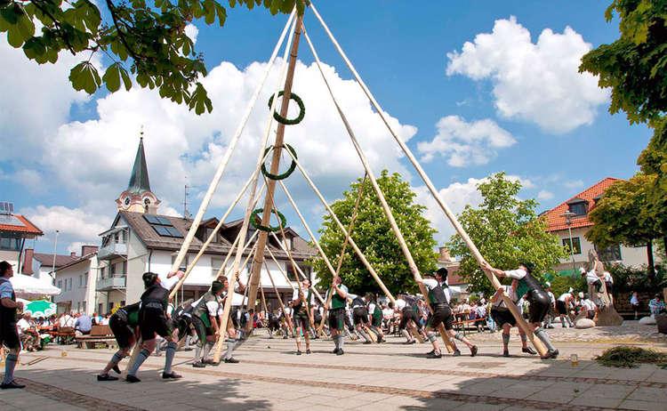 Raising The Maypole Berchtesgaden