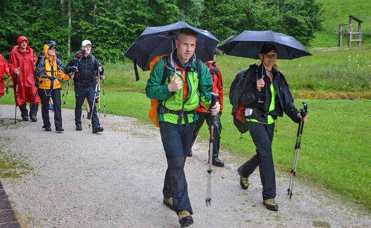 Langzeit-Wanderer trotzen dem Regen