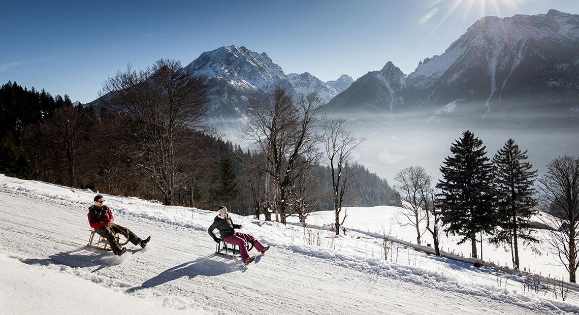 Rodeln Schlittenfahren Winter Berchtesgaden