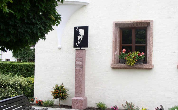 Romy Schneider Denkmal 1