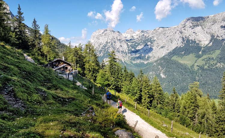 Die Schärtenalm auf dem Weg zur Blaueishütte im Bergsteigerdorf Ramsau