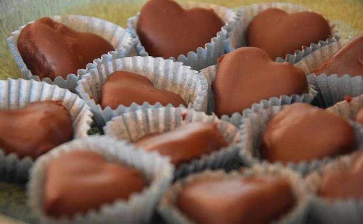 Fertige Schokoladenherzen