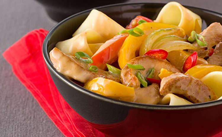 Schweinegeschnetzeltes - Chilli Rahm Sauce