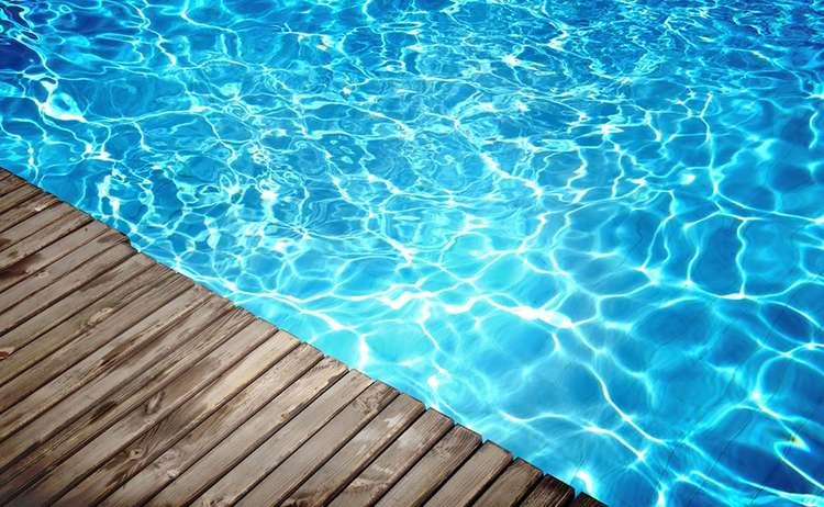 Schwimmen Baden Fotolia 36435243 L