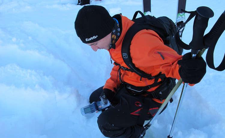 Im Skitourenpark verschüttete suchen