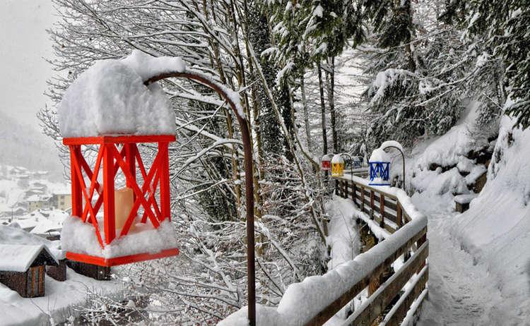 Soleleitungsweg Berchtesgaden Laternen Emmausweg Winter