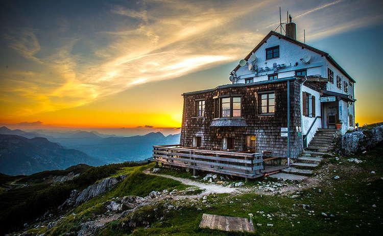 Sonnenuntergang am Störhaus auf dem Untersberg