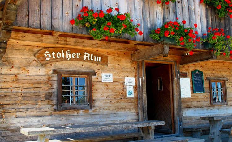 Die Stoisser-Alm Hütte