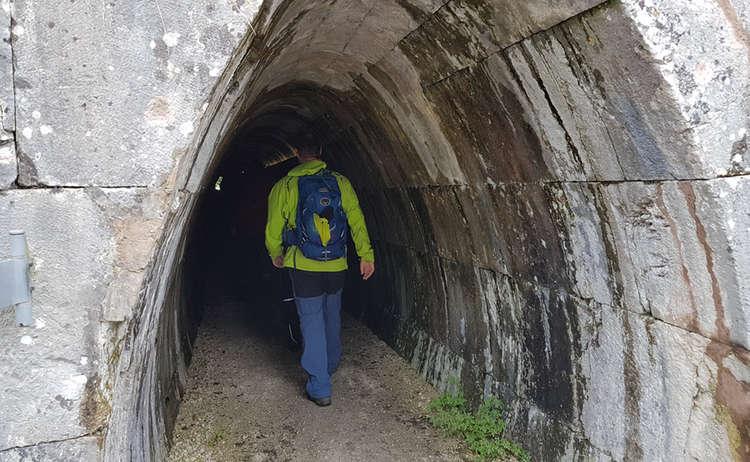 Durch den Stollen des Salzbergwerks Berchtesgaden
