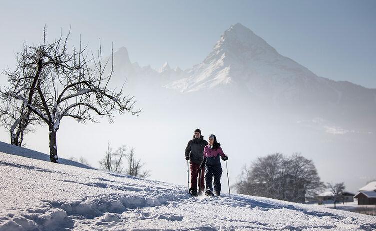 Schneeschuhwandern vorm Watzmann