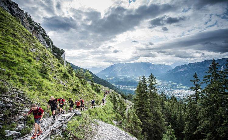 Trailrunner Oberhalb Der Alpenstadt Bad Reichenhall Www Wisthaler