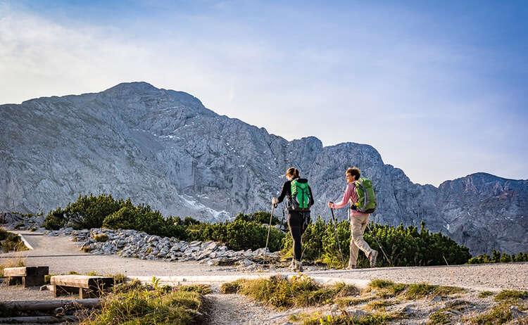 Wanderer auf dem Weg zum Kehlstein