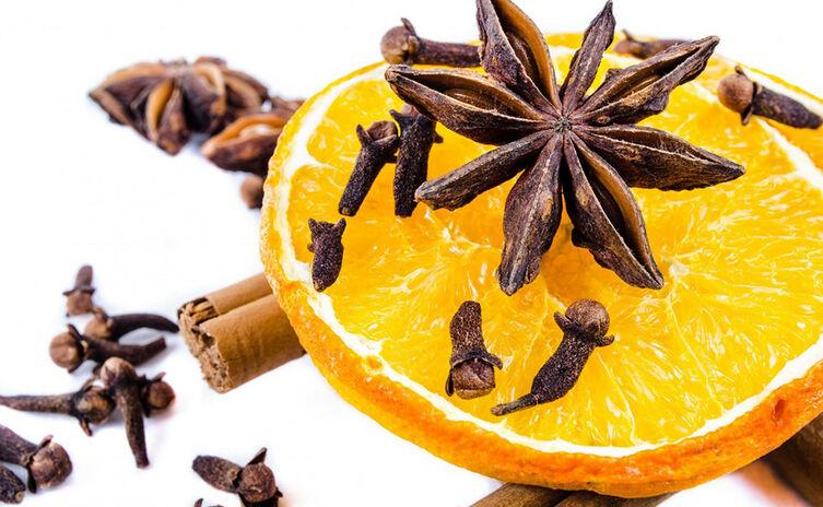 Weihnachtsgewürze | Zimt, Sternanis, Nelken, Zitrone