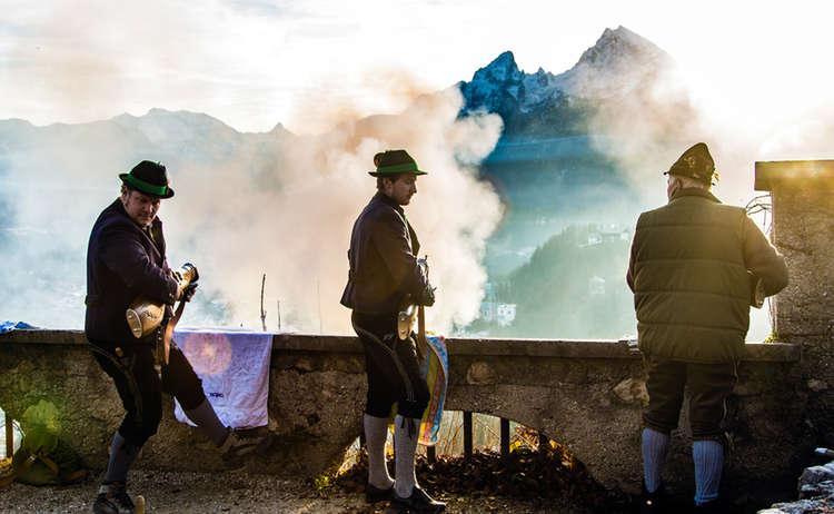 Weihnachtsschuetzen Berchtesgaden Vor Watzmann Zwei Abenteuerer