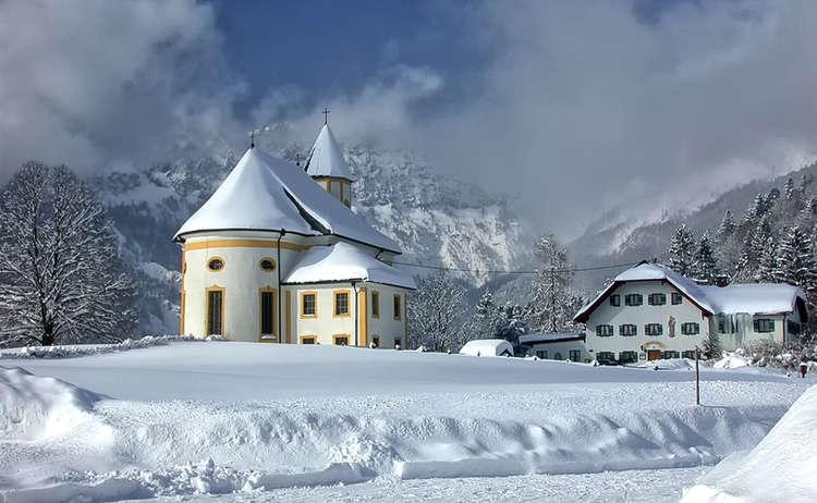 Winterwandern in Marktschellenberg auf dem Friedensbergweg zum Ettenberg