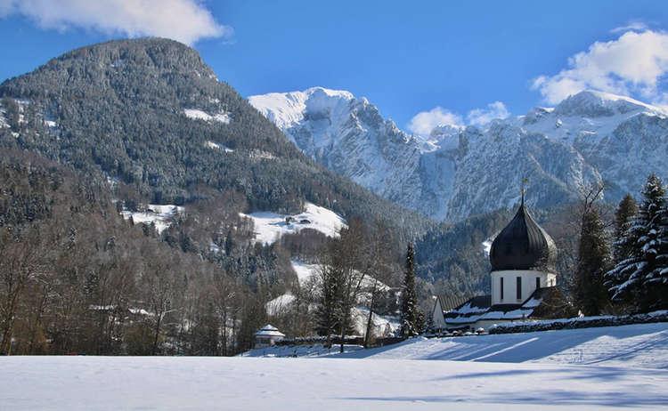 Winterwandern Schaenau Friedhof